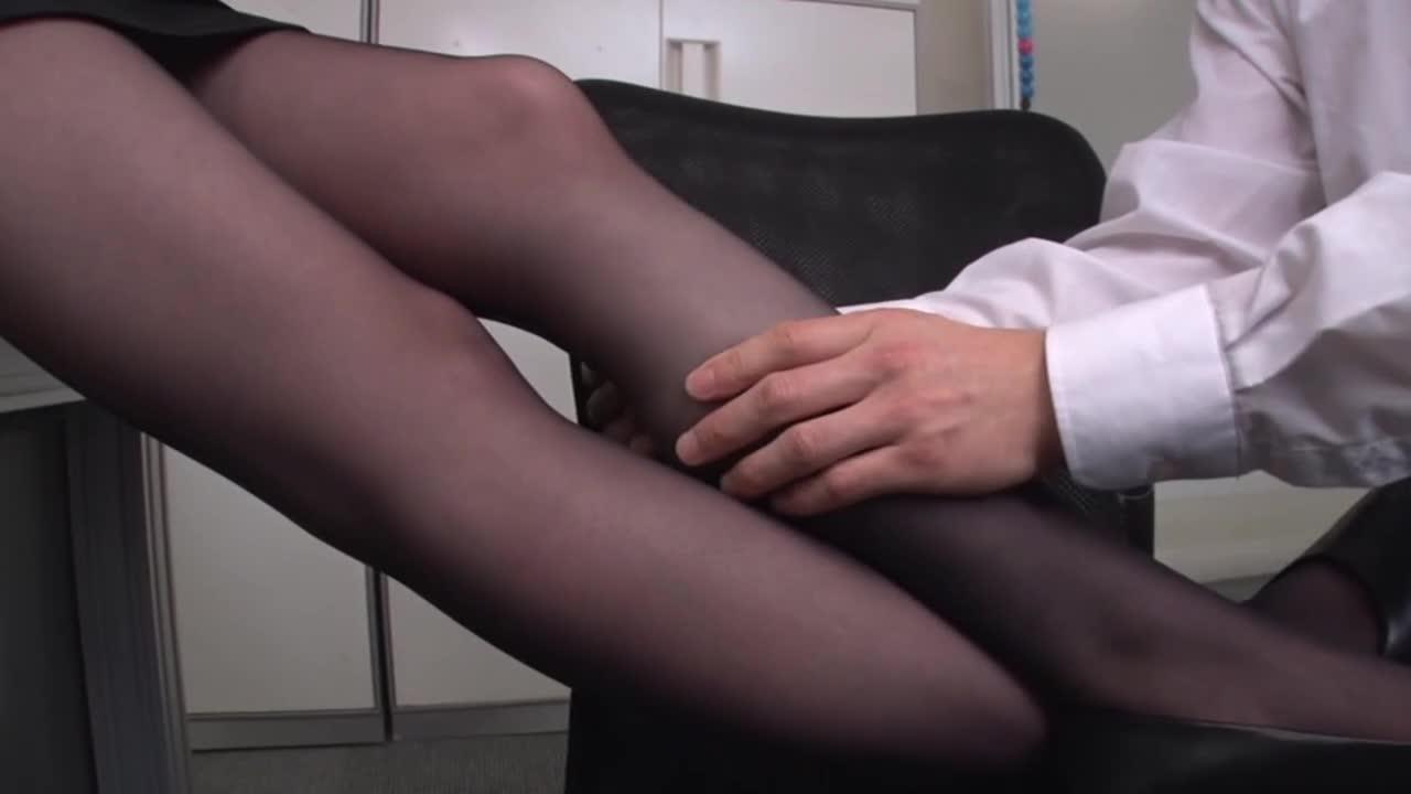 美人上司の性玩具にされ、何度も射精させられた。...thumbnai3