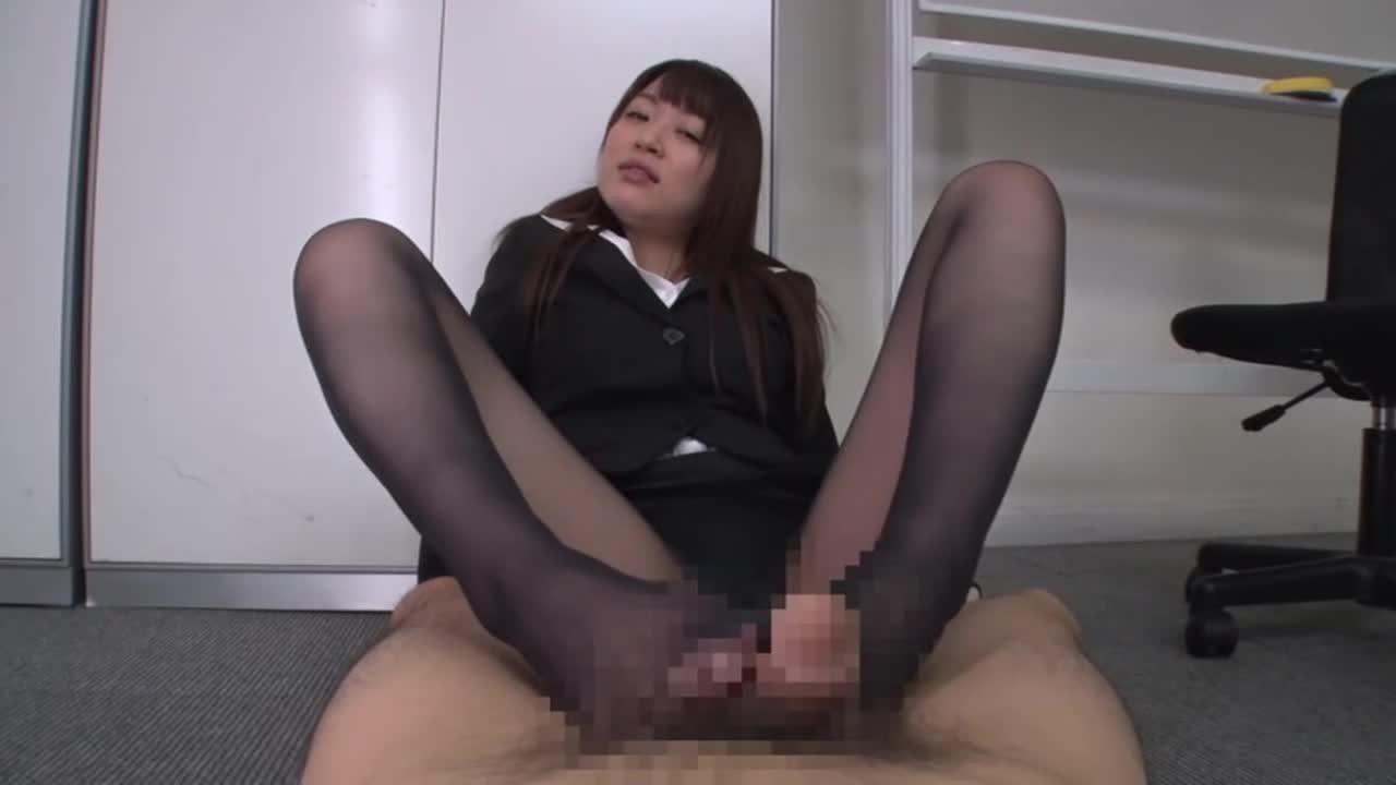 美人上司の性玩具にされ、何度も射精させられた。...thumbnai5